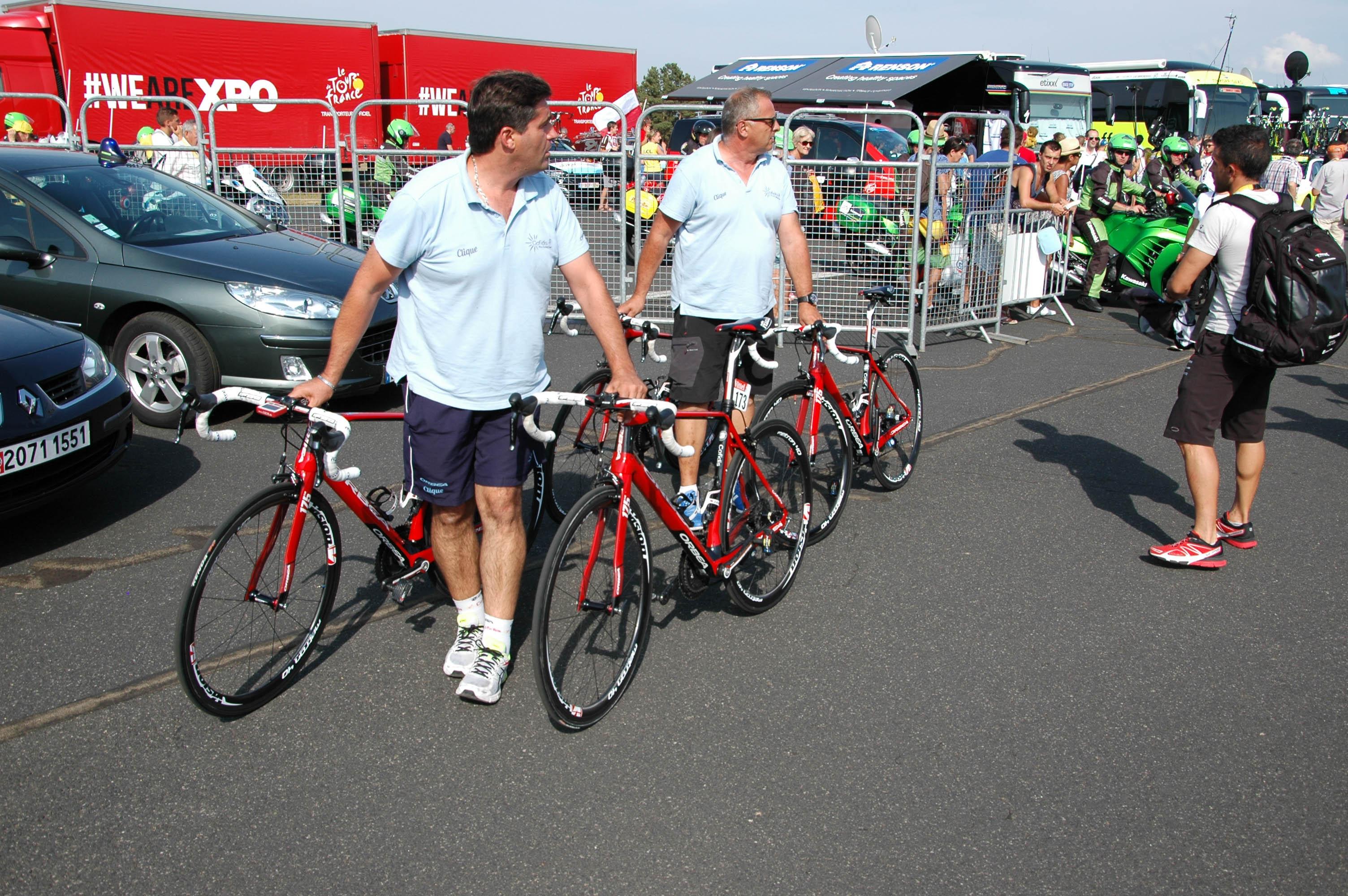 Sjekk: Sykler sjekkes under Tour de France.