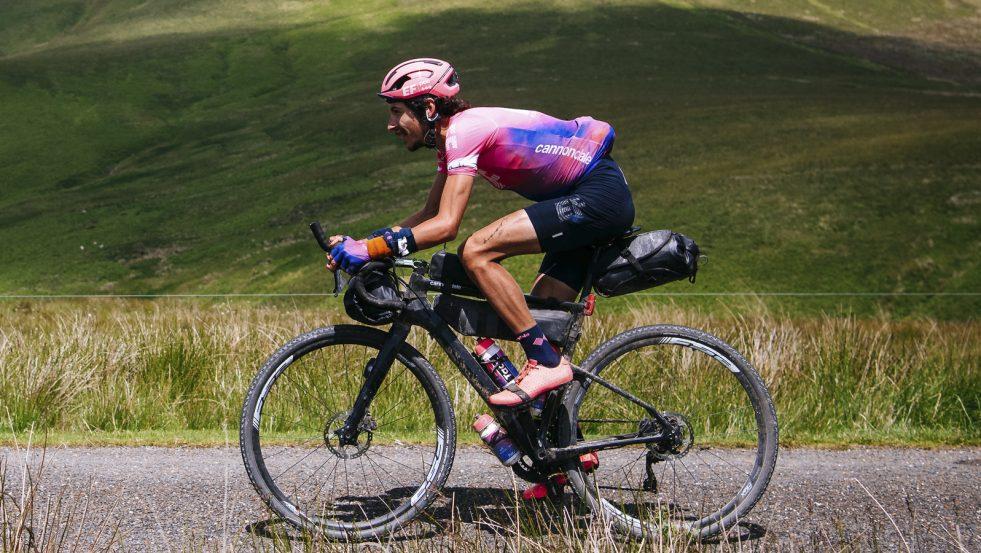 Lachlan Morton syklet Tour de France alene, samlet inn millionbeløp