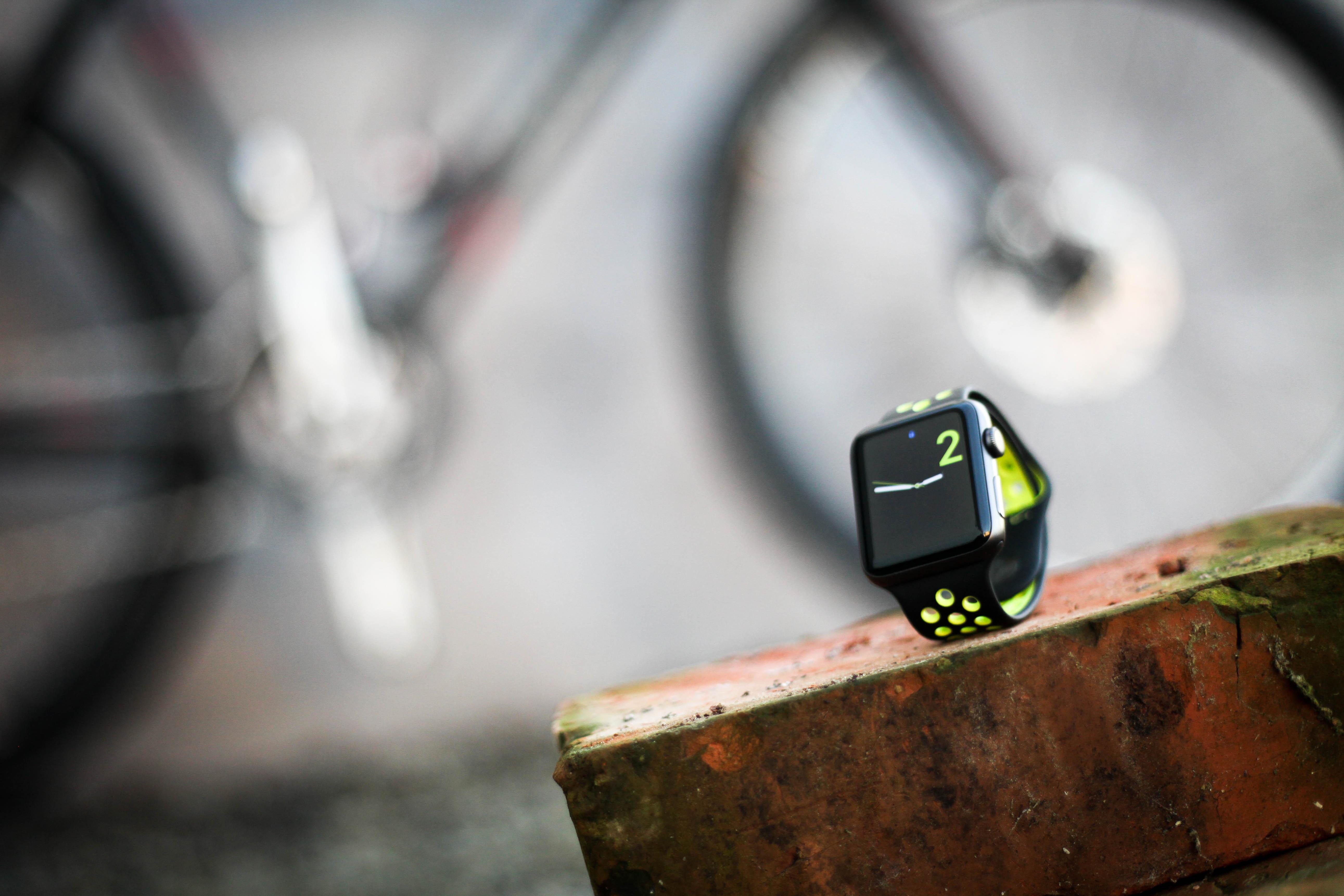 Kompiser? Det er ingen problem å bruke Apple Watch når man sykler, men hvorvidt den er et nyttig treningsverktøy krever diskusjon. Vi har testet salgsuksessen. Foto: Sykkelmagasinet