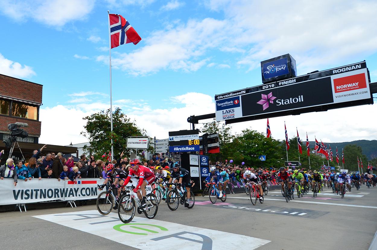 Spennende finale: I fjor vant Alexander Kristoff knepent foran John Degenkolb å åpningsetappen. I år håper Knut-Eirik Dybdal på minst like mye spenning. Foto: ASO