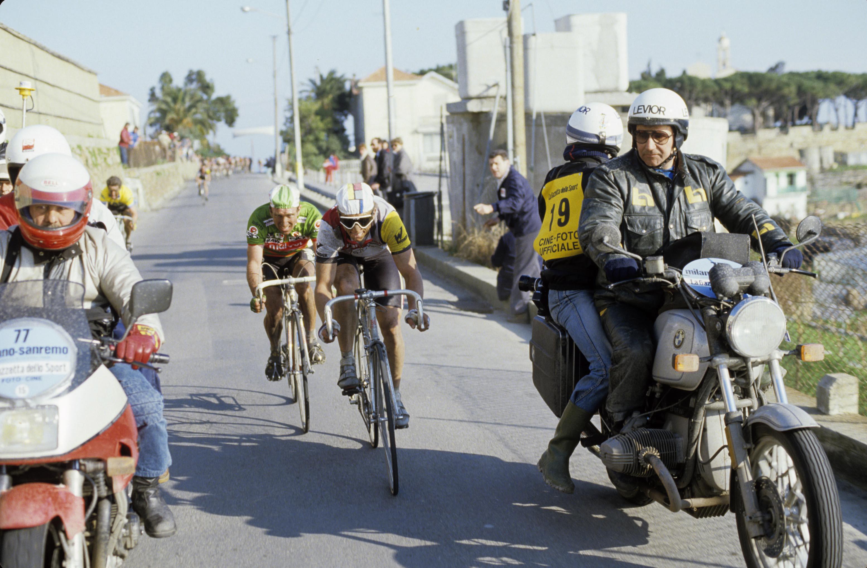 Jakten: Kelly på vei opp til Beccia og LeMond på Poggio. Foto: Presse Sports