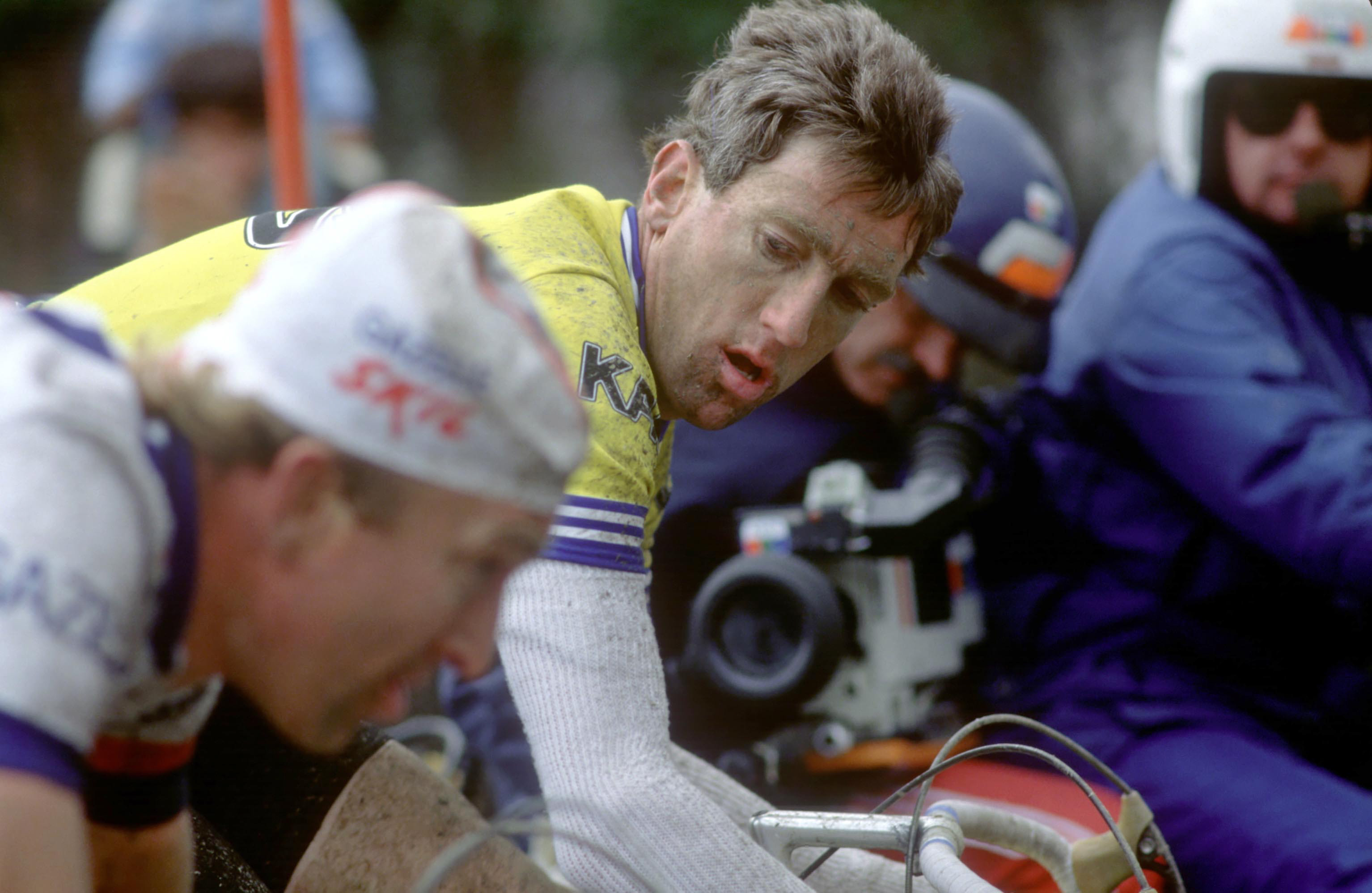 Vurderer: Kelly tar mål av konkurransen i Flandern 1985. Foto: Presse Sports