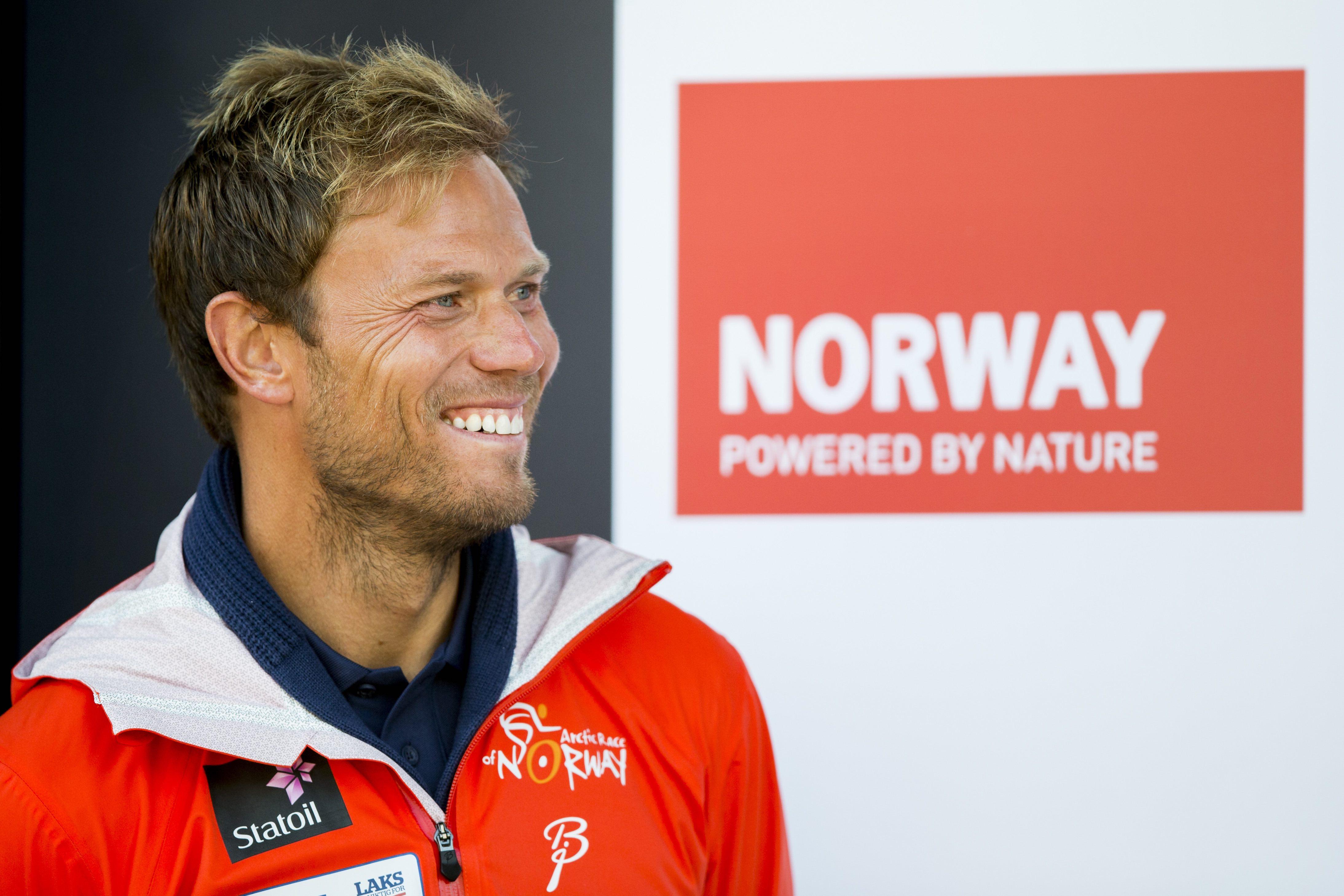 Thor Hushovd, ambassad¯r for Arctic Race of Norway, ppremieseremonien etter andre etappe i sykkelrittet Arctic Race of Norway fredag.
